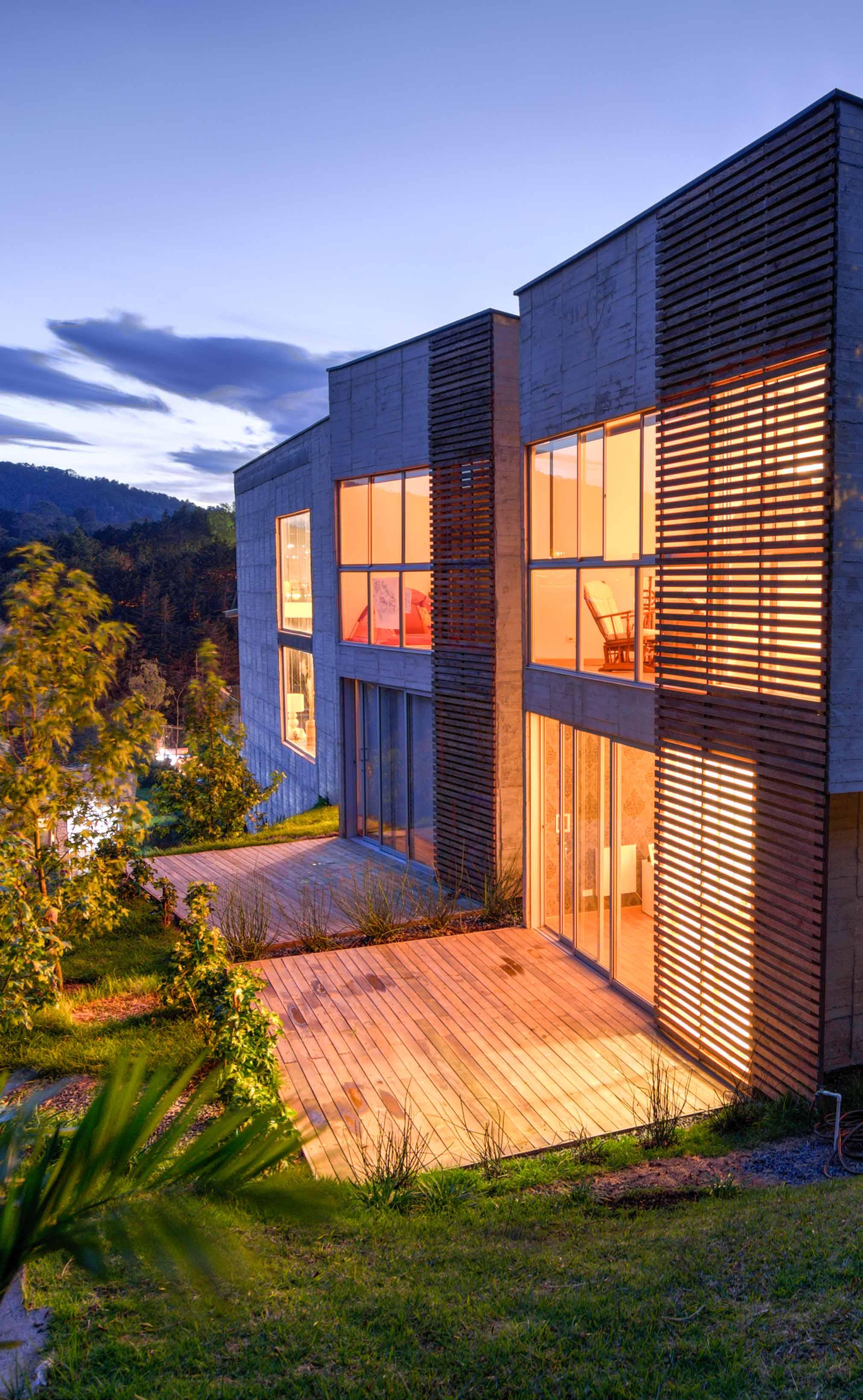 Casa Entre Jardines Residencial