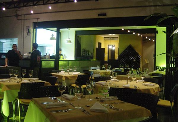 Proyecto Comercial Restaurante Orzo